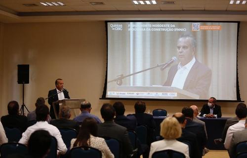 Ministro Rogério Marinho destacou que, apesar das restrições orçamentárias, o número de moradias entregues deve aumentar nos próximos anos (Foto: Dênio Simões/MDR)
