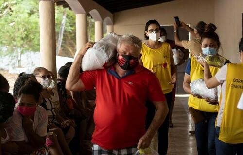 Doação de cesta básica a famílias em situação de vulnerabilidade. Foto: Isaque Junior/Vale