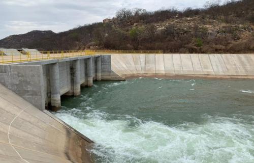 O Eixo Norte do Projeto de Integração do Rio São Francisco tem 260 quilômetros de extensão, três estações de bombeamento, 15 reservatórios, oito aquedutos e três túneis (Foto: Divulgação)