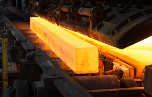 A worldsteel divulgou que a produção mundial de aço bruto alcançou 156,8 milhões de toneladas em agosto de 2021. Foto: Jean Martinelle/Pixabay