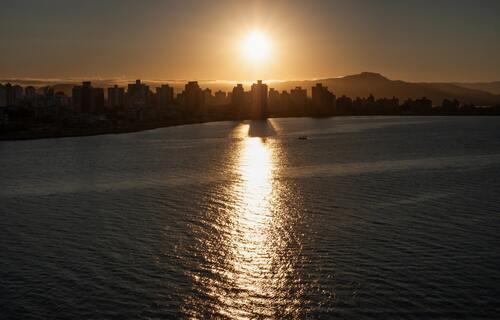 Pôr do sol em Florianópolis (SC). Foto: Dennis Ariel/Pexels