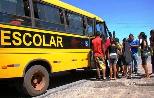 Transporte escolar. Foto: Prefeitura de Ladário.