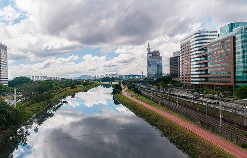 Rio Pinheiros (SP) - Foto: Wilfredor