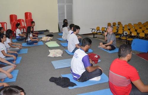 Oficina de meditação. Foto: SESI Amapá.