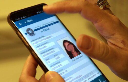 Aplicativo do título de eleitor digital. Foto: Marcello CasalJr/Agência Brasil.