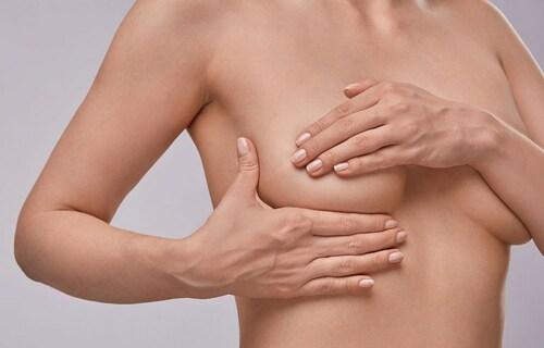 Autoexame da mama. Foto: Sociedade Brasileira de Cirurgia Oncológica (SBCO)