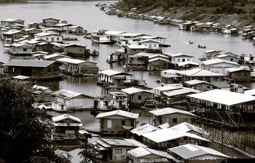 Casas em Tapauá, na Amazônia. Foto: Ponciano/Pixabay
