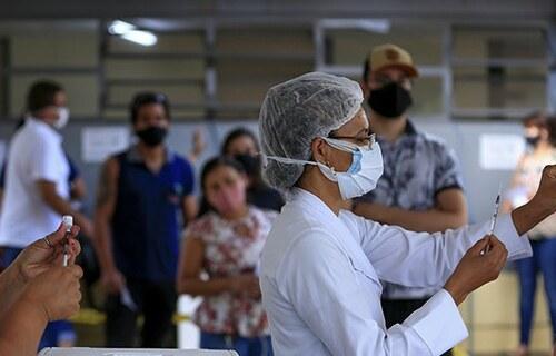 Aplicação da vacina contra a Covid-19. Foto: Ministério da Saúde