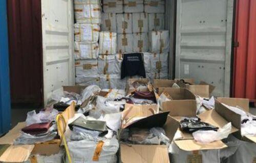 Contêiner fiscalizado pela receita federal em posto aduaneiro. Foto: Arquivo Ascom/Receita Federal