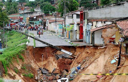 Deslizamento de terra - Foto: Marco Polo/Prefeitura de Natal