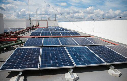 Painel para captação de energia solar. Foto: José Cruz/Agência Brasil.