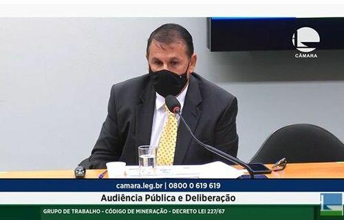 Presidente da ABPM, Luís Maurício Azevedo, apresentou aos parlamentares várias sugestões de alterações na legislação atual. Foto: Reprodução/Divulgação ABPM