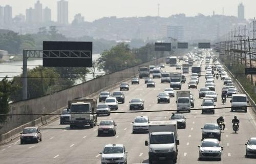 Trânsito. Foto: Agência Brasil.