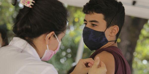 RJ: capital fluminense bate recorde de vacinação contra Covid-19 em um dia